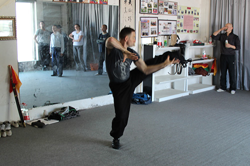 Blog_Neil-Pointing-toe-kick