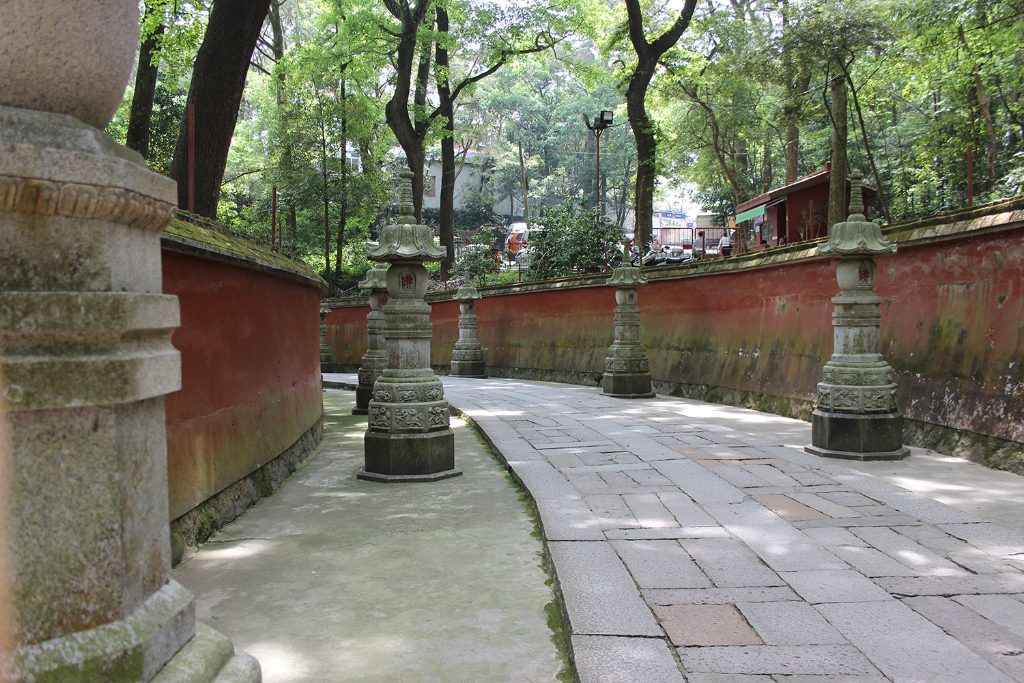 Temple-entrance-path